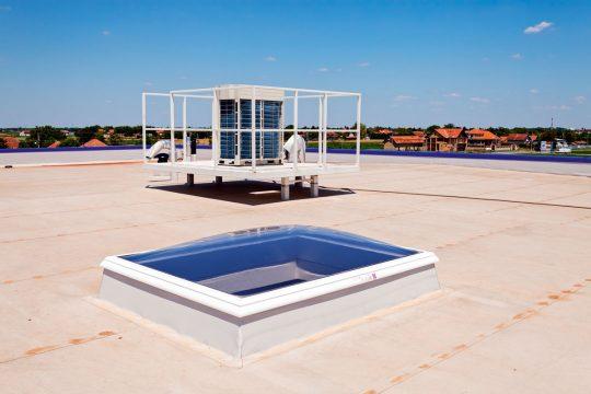 Lichtkuppel auf einem Flachdach